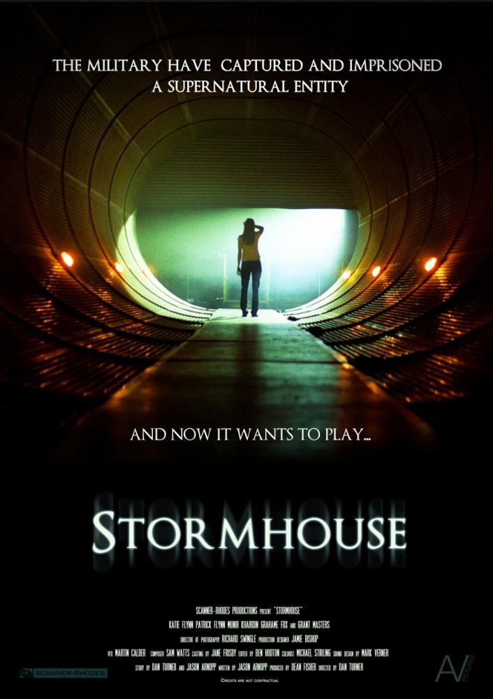 Смотреть фильм онлайн: Стормхауз / Тюрьма для призрака / Stormhouse (2011)